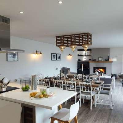 The Hawthorns - Large Luxury Cottage, Hot Tub, Sea Views