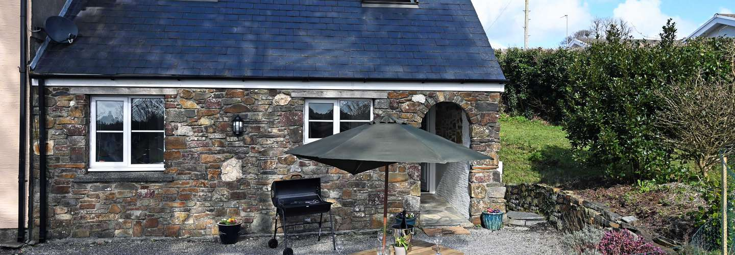 Y Bwthyn - Cosy Cottage with Parking - Cosy Cottage, Parking, Near Saundersfoot