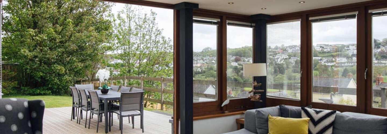 Oaktree Lodge - Luxury Cottage, Hot Tub, Sea Views - hot tub, sea views, luxury cottage, Log Burner