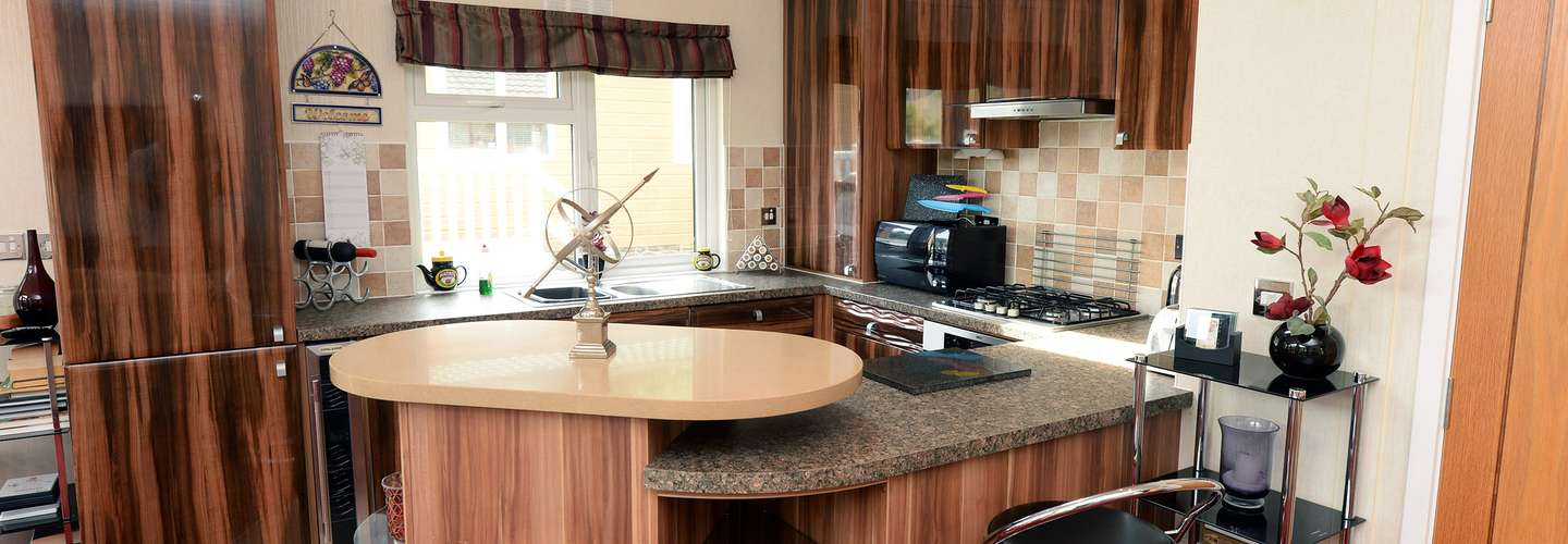 The Lodge - Near to Beach, Pet Friendly - Kitchen
