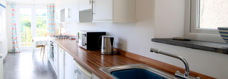 Gull Cottage - Near to Beach, Pet Friendly - kitchen