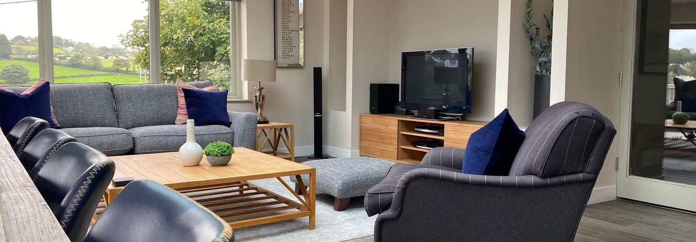 Amber Cottage - Luxury Cottage, Hot Tub, Sea Views and Log Burner - Living room 2