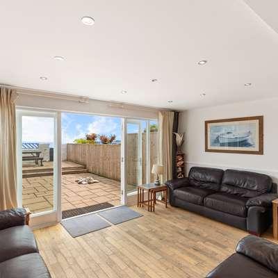 Kilmore - Beach Front House, Direct Beach Access, Spectacular Sea Views - Beach Front House, Direct Beach Access, Spectacular Sea Views