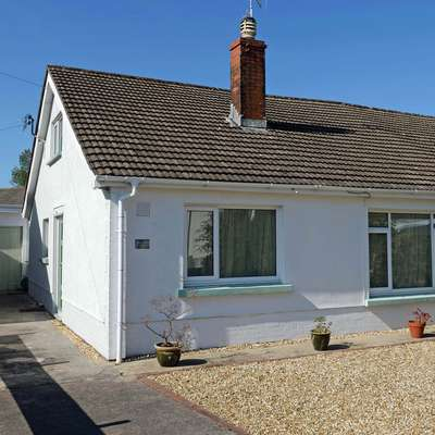 Rose May - Peaceful Cottage with Parking - Sea Views