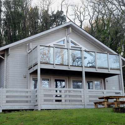1 Longbury Lodge - Woodland Lodge, Near Tenby - Lodge 1