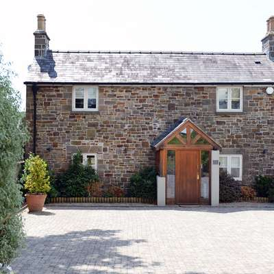 Priory Cottage - Luxury Cottage, Near to Beach - Priory Cottage