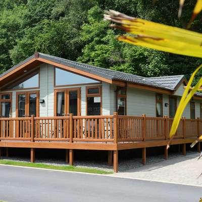 The Lodge - Near to Beach, Pet Friendly - outside