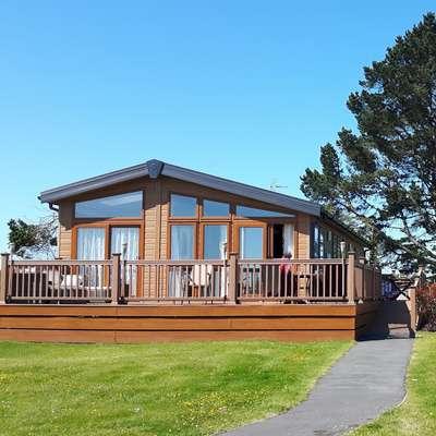 The Cabin at Moreton Farm Leisure Park - Peaceful, sea views, Lodge