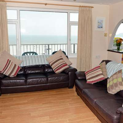 Sea View Apartment - Sea Front Apartment with Views - Sea View