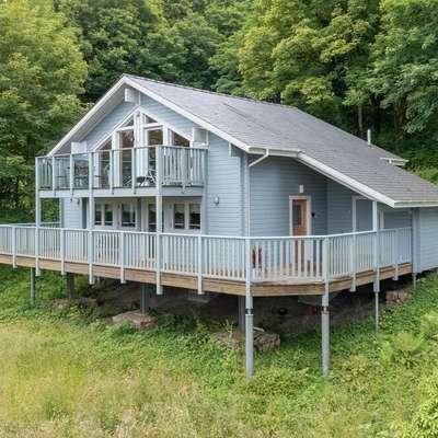 Lodge 5 Longbury - Luxury Lodge, Woodland Views, Restaurant and Spa Facilites - Luxury Lodge, Golf Course Views, Restaurant and Spa Facilites